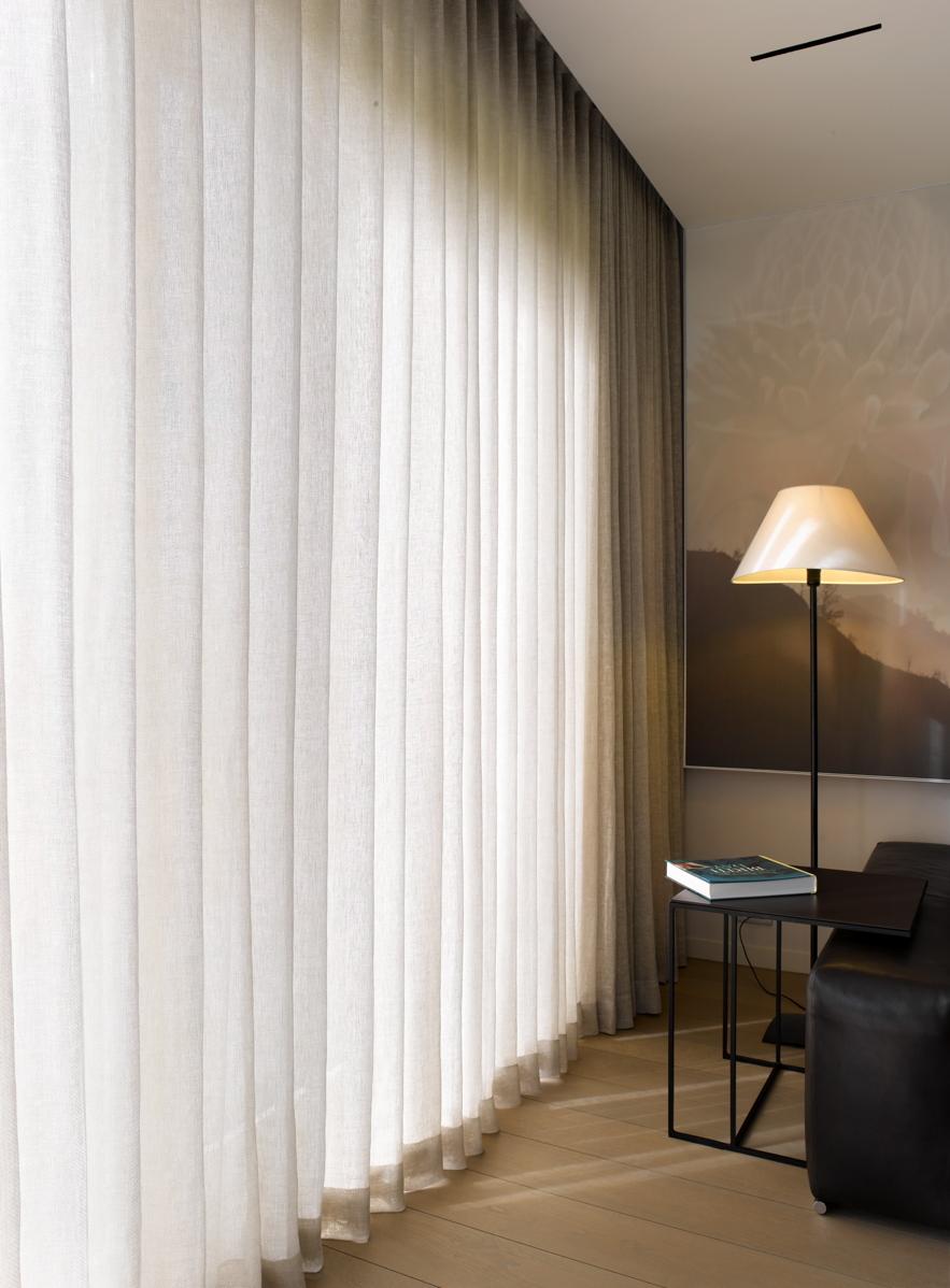 Woonhuis ingelmunster confectie realisaties - Gordijnen voor moderne woonkamer ...