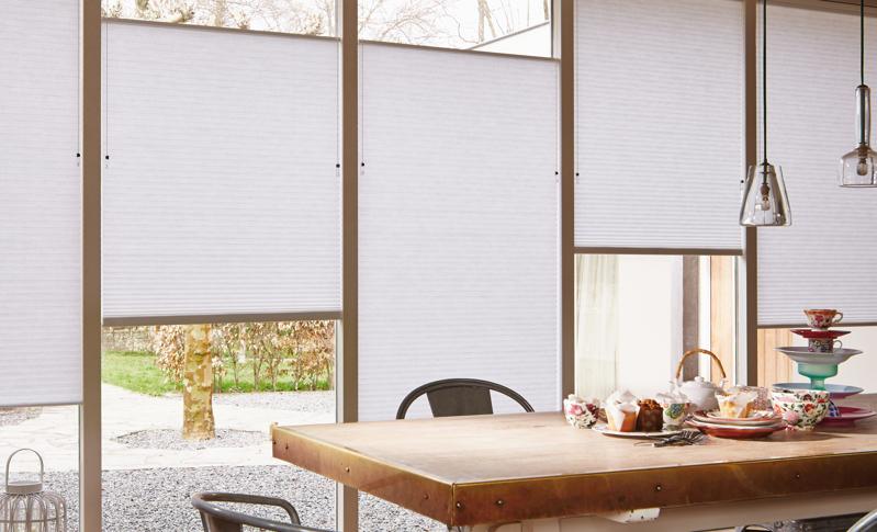 Sfeer en privacy met raambekleding - door Interieur Bogaert